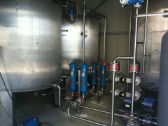 Filtering and pumping station