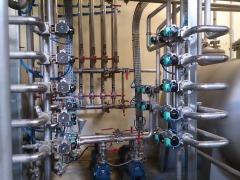 Detalle instalación automatizada en planta de extracción de esencias